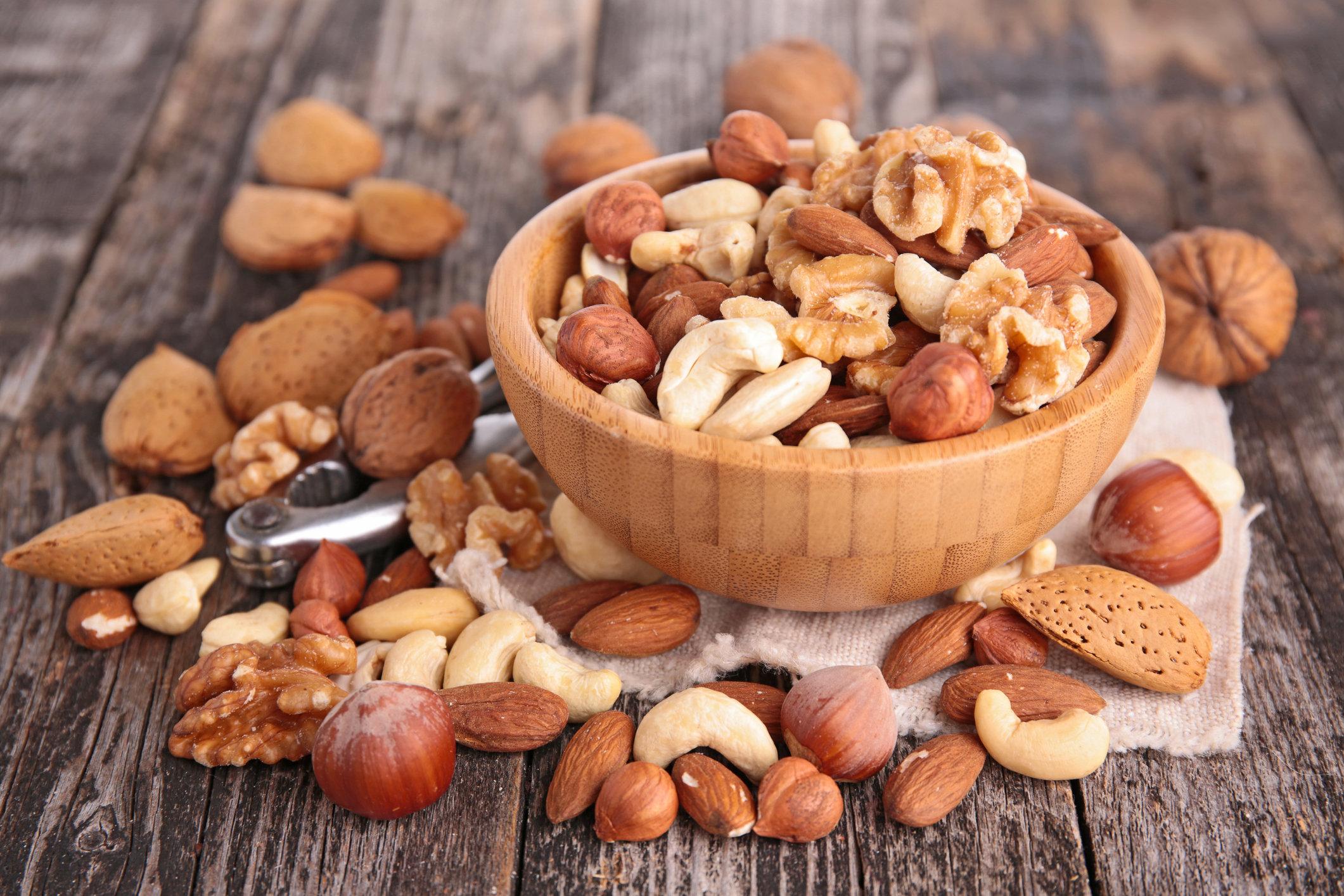 С какими продуктами лучше всего сочетаются кедровые орехи?